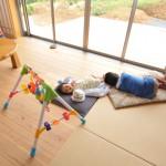 建築写真 のびのびと子育てできる環境の家の竣工写真