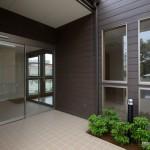 診療施設の竣工写真_エントランス:神奈川県平塚市の建築写真