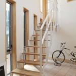建築竣工写真 階段 玄関