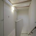 建築写真 集合住宅竣工写真 階段吹き抜け