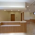 診療施設の竣工写真_受付カウンター:神奈川県平塚市の建築写真